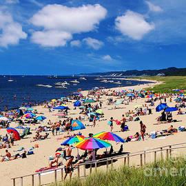 Kathi Mirto - Summer Fun at Oval Beach