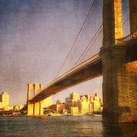 Joann Vitali - Sun sets on the Brooklyn Bridge