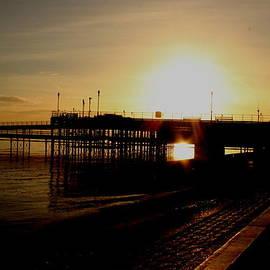 Perggals - Sundown At The Pier