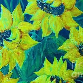 Eloise Schneider - Sunflowers in the Early Morning Light