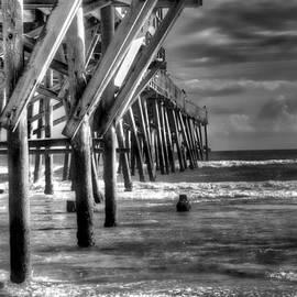 Michael Schwartzberg - Sunglow Pier 24