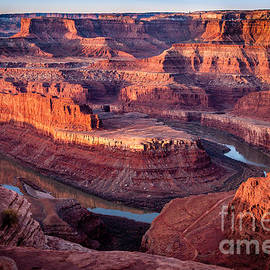 Bob and Nancy Kendrick - Sunrise at Dead Horse Point
