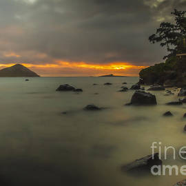 Mitch Shindelbower - Sunrise At Waimanalo