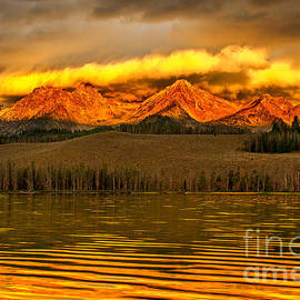 Robert Bales - Sunrise On Little Redfish Lake