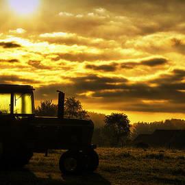 Thomas Woolworth - Sunrise On The Deere