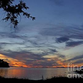 Inge Riis McDonald - Sunset Beach
