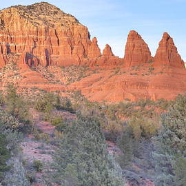 Ruth Jolly - Sunset begins in Sedona