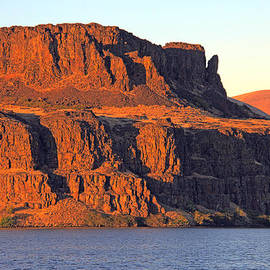 Talya Johnson - Sunset Cliffs at Horsethief