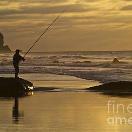 Heiko Koehrer-Wagner - Sunset fishing
