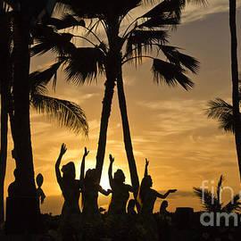 Kim Quintano - Sunset Hula
