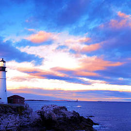 Paul Ge - Sunset in Fork Williams Lighthouse Park Portland Maine State