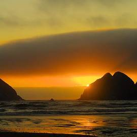 Jeff  Swan - Sunset on the Oregon Coast
