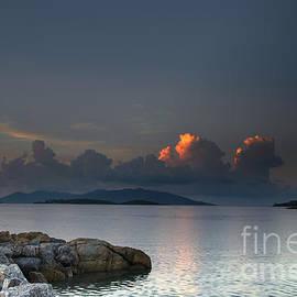 Michelle Meenawong - Sunset On The Sea