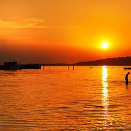 Roksana Bashyrova - Sunset on the sea
