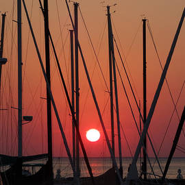 David T Wilkinson - Sunset Through the Masts