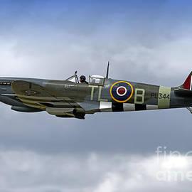 Andrew Harker - Supermarine Spitfire LF. IXe PL344 G-IXCC