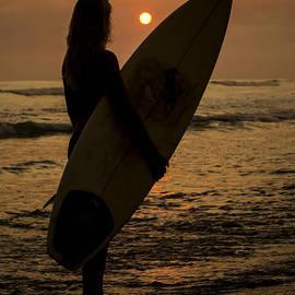 Lee Kirchhevel - Surfer Girl Sunset Silhouette