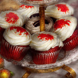 Mike Savad - Sweet - Cupcake - Red velvet cupcakes