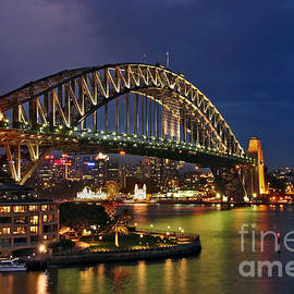 Kaye Menner - Sydney Harbour Bridge by Night