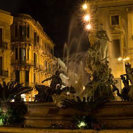 Georgia Mizuleva - Syracuse - Diana Fountain