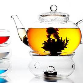 Paul Ge - Teapot and Colorful Cups Liquid Art