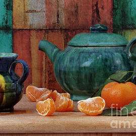 Luv Photography - Teapot and Tangerine