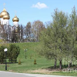 Evgeny Pisarev - Temple in spring