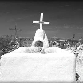 Sonja Quintero - Terlingua Grave