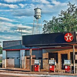 Teresa Dunlap - Texaco Station