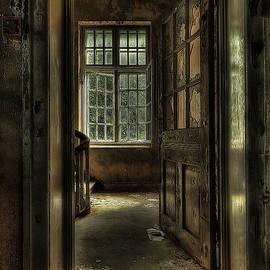 Erik Brede - The Asylum Project - Welcome
