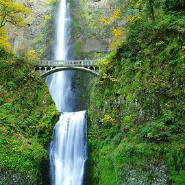 Jeff  Swan - The Beauty Of Multnomah Falls