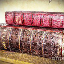 Linsey Williams - The Bible And Prayer Books