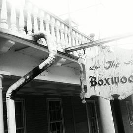 Sharon Costa - The Boxwood Inn