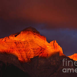 Bob Christopher - The Brilliance Of Light Mount Rundle Banff