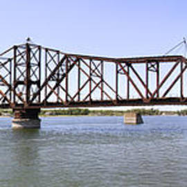 Mike McGlothlen - The Chicago and North Western Railroad Bridge Panoramic
