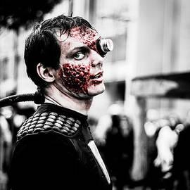 Stwayne Keubrick - The Fake Zombie Robot