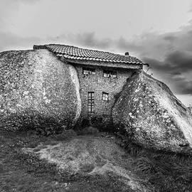 Jose Goncalves - The Flintstones House