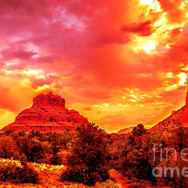 Bob and Nadine Johnston - The Golden Hour Bell Rock Vortex Arizona