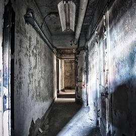 Jessica Berlin - The Hallway
