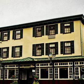 Colleen Kammerer - The Logan Inn