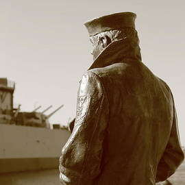Dwight Cook - The Lone Sailor Sculptor