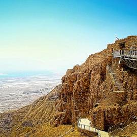 Sandra Pena de Ortiz - The Machabees And Their Masada