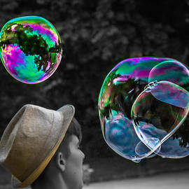 Sotiris Filippou - The magic world of Bubbles
