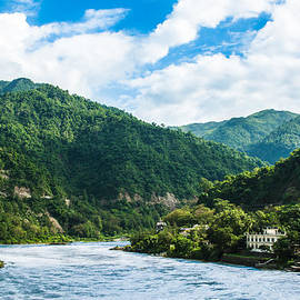 Nila Newsom - The Mountain Valley of Rishikesh