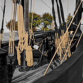 John Straton - The Nina and Pinta  Columbus Replica Ships  v13