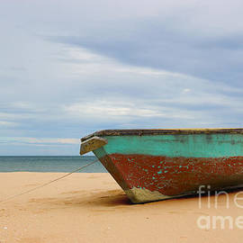 Nola Lee Kelsey - The Old Boat at Ban Krut Beach