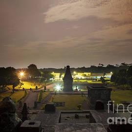 Dika yudha Rio p - The Penataran Temple
