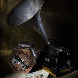 Ann Garrett - The Phonograph 3
