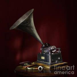 Ann Garrett - The Phonograph 5