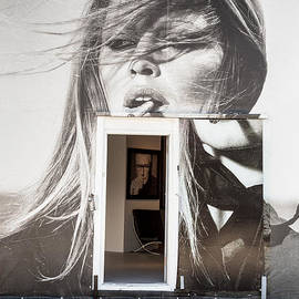 Rene Triay Photography - The Real Art Gallery Inside the Outside Graffiti Gallery